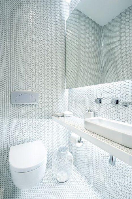 płytki heksagonalne białe, duże w łazience