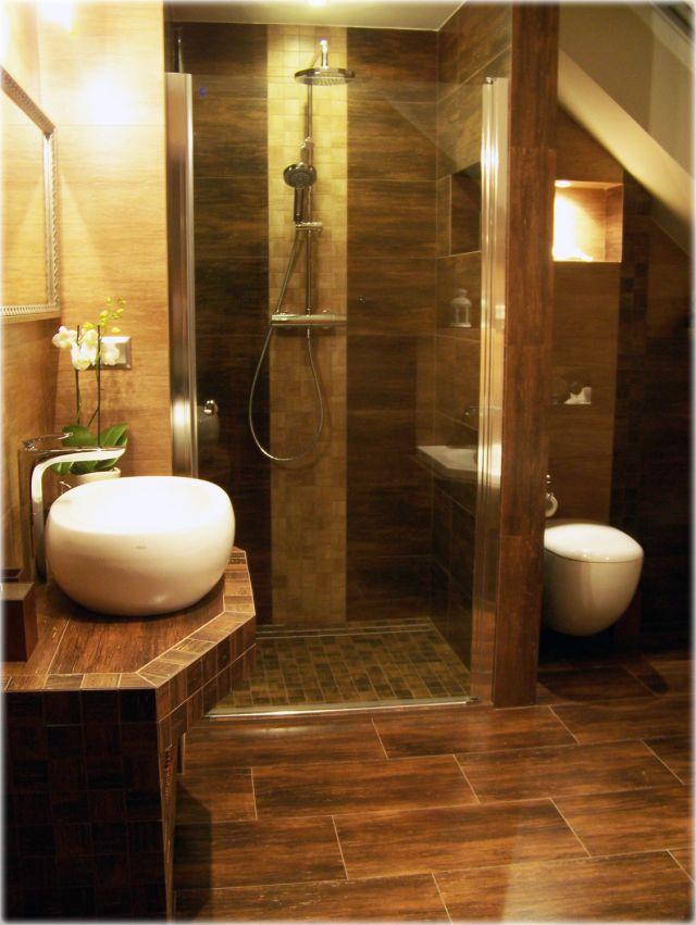 Aranżacje łazienek Na Poddaszu Galeria Płytki Drewnopodobne W