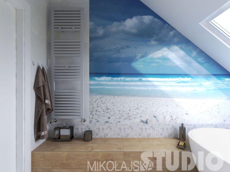 Fototapeta z motywem morza w łazience na poddaszu