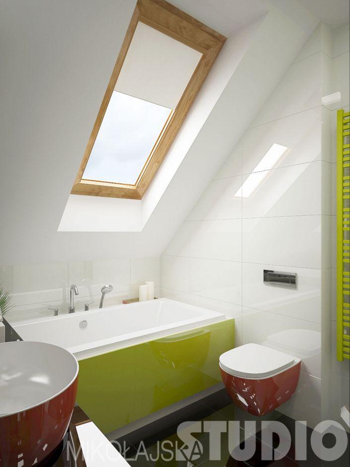 Kolorowa łazienka na poddaszu