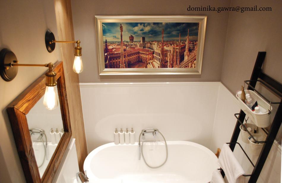 Galeria Zdjęć Zdjęcie Białe Płytki Do Połowy ściany W