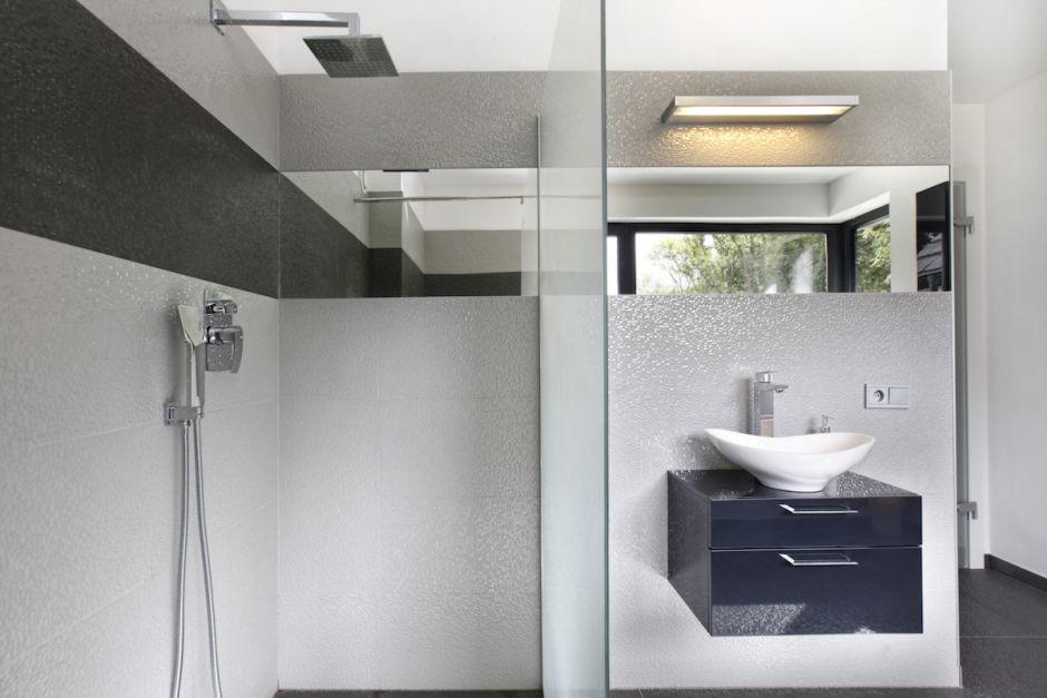 Galeria Zdjęć Zdjęcie Jasna Nowoczesna łazienka Z Małą
