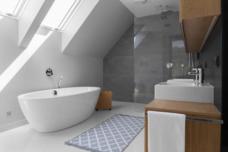Galeria Zdjęć Zdjęcie łazienka Na Poddaszu Z Drewnianymi
