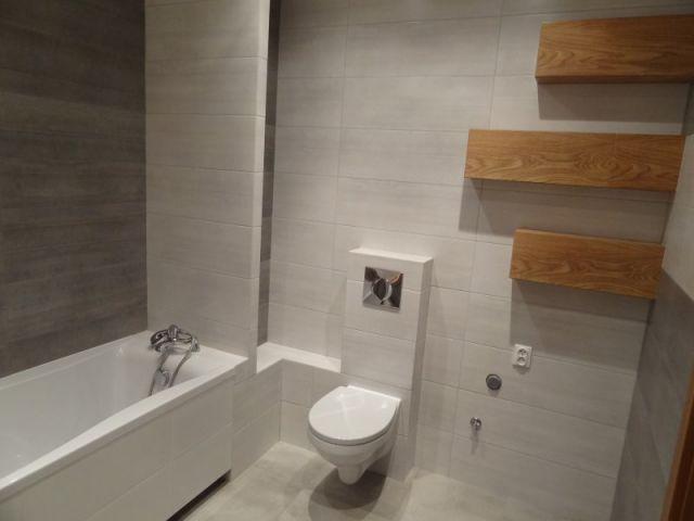 Galeria Zdjęć Zdjęcie Szare Płytki I Drewno W łazience