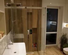 Dorota Sch Galeria Drewnopodobne Płytki Pod Prysznicem
