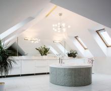 Aranżacje łazienek na poddaszu