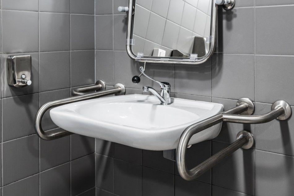 Kompleksowe wyposażenie toalet publicznych