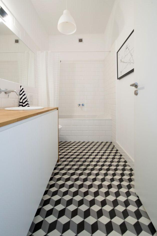 Aranżacje łazienek w bloku - galeria - Płytki 3D na podłodze w łazience w bloku - Łazienkowe ...