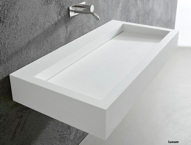 klasyczna umywalka z odpływem liniowym z Corianu lub GFK Luxum