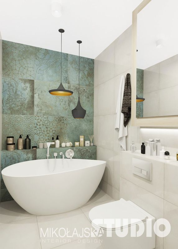 Czarne lampy Foggi w łazience z turkusowymi płytkami