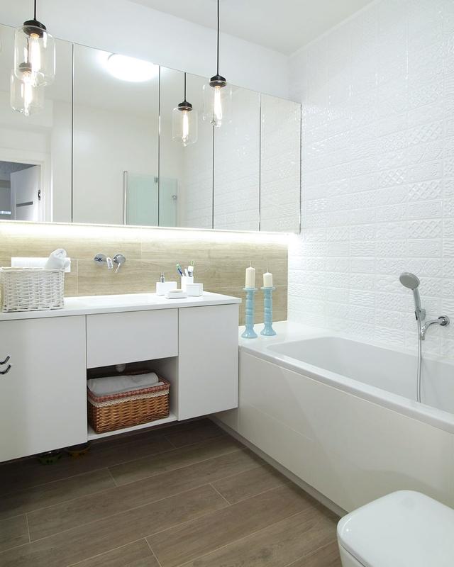 Szafki łazienkowe z podświetlanym lustrem