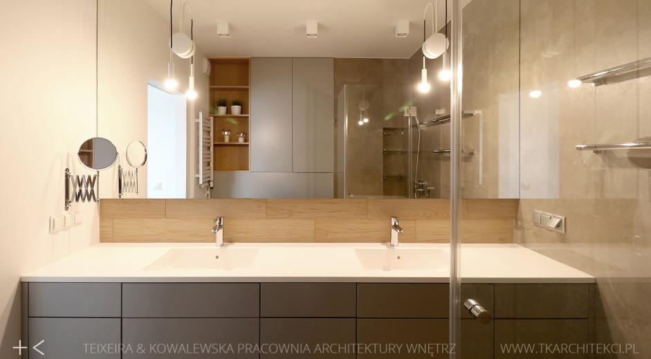 Duże lustro w łazience dla dwojga