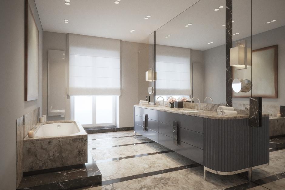Duże lustro w dużej łazience z marmurem