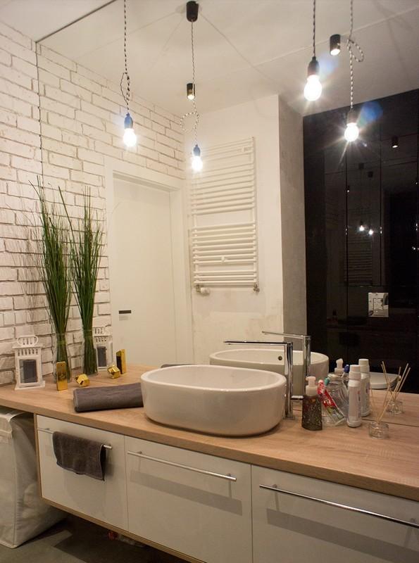 Łazienka z drewnem - galeria - Drewniany blat pod umywalkę ...