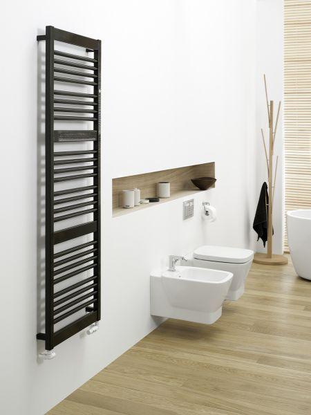 Grzejnik Instal-Projekt Frame w kolorze czarnym w łazience