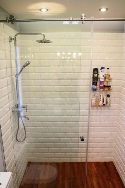 Aranżacja łazienki z płytkami subway tiles