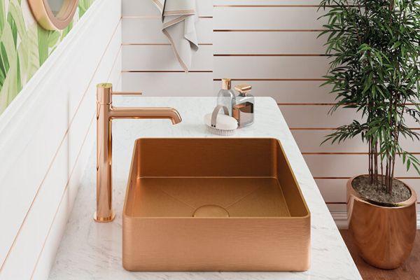 Złote wykończenie w łazience