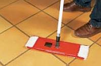mira - mycie podłogi przy pomocy Środek myjący 7210 ceramic wash