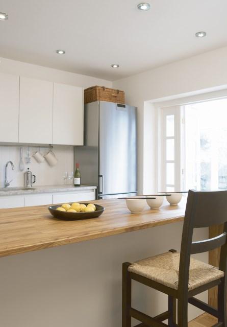 jak o wietli kuchni rodzaje o wietlenia o wietlenie domowe technika o wietleniowa. Black Bedroom Furniture Sets. Home Design Ideas