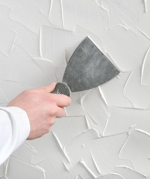 Jak zrobić strukturę na ścianie z gipsu