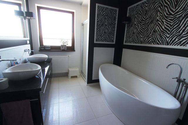 dekoracje ścienne w łazience - Motyw zwierzęcy