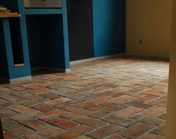 Nowoczesna architektura Cegła na podłodze - okładziny gresowe i kamienne - :Elkamino FO22