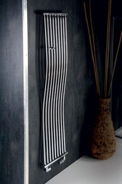 Grzejnik w kształcie pionowej fali - Sapho Onda