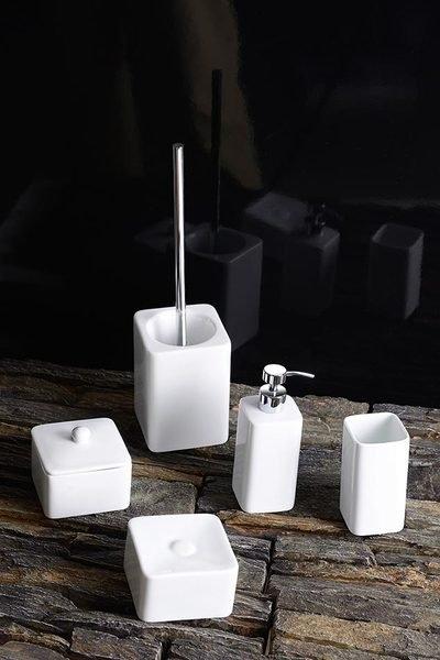 Ceramiczne akcesoria łazienkowe Sylvia