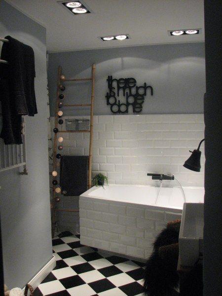 Dekoracje do łazienki -cotton balls