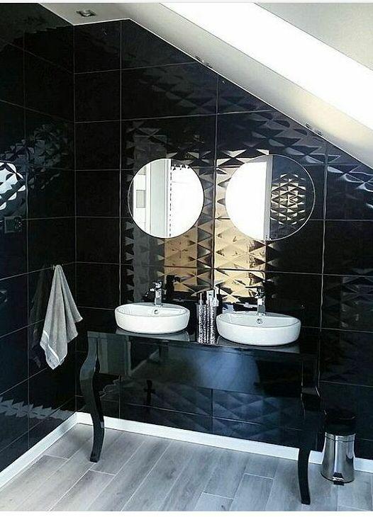 Czarna konsola do łazienki