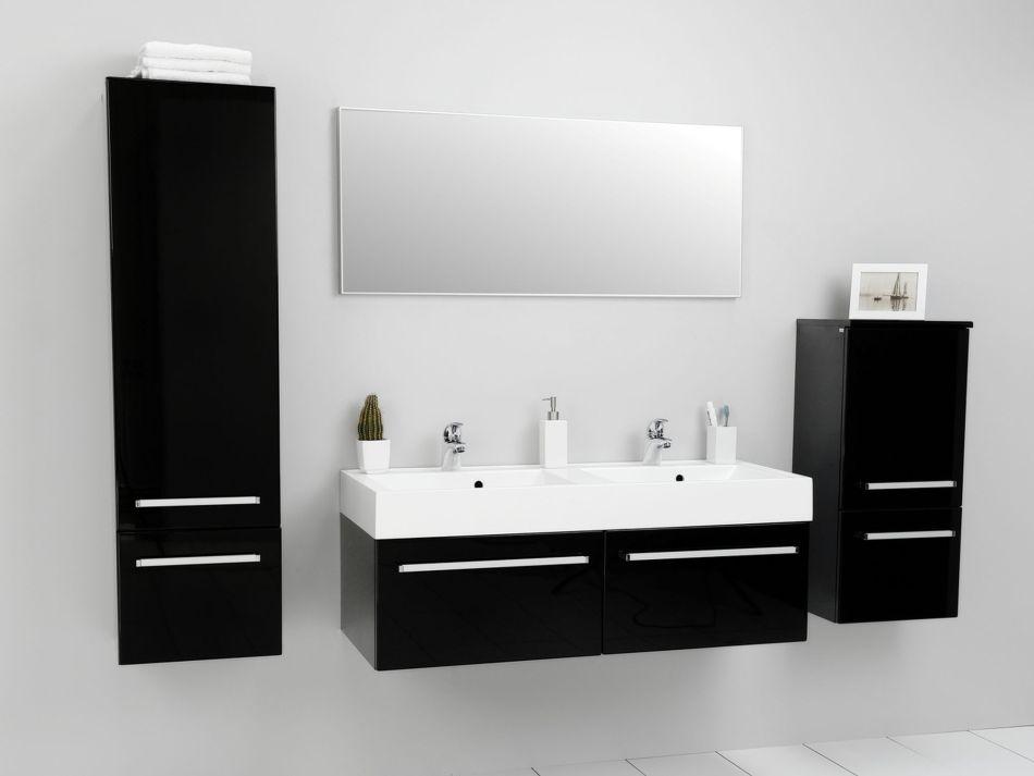 Czerń w łazience - meble