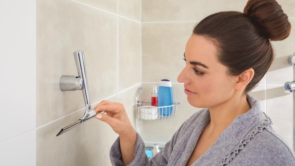 Draad tesa - ściągaczka do wody pod prysznicem mocowana bez wiercenia