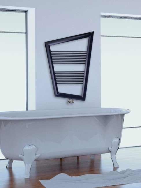 Grzejnik łazienkowy w kształcie trapezu
