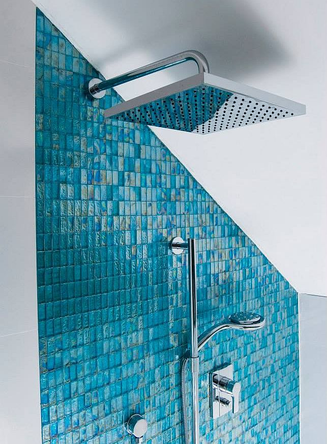 Błękitna łazienka z mozaiką Dunin