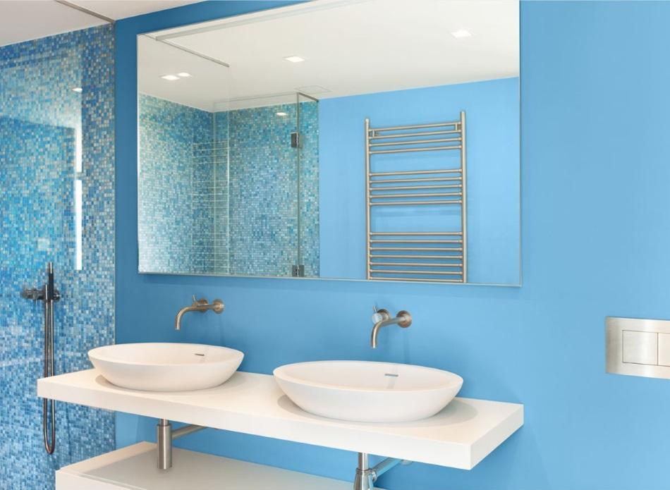 FFiL Śnieżka, lazurowa łazienka, błękit w łazience