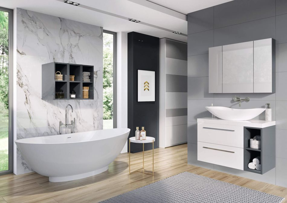 Szara łazienka z motywem marmuru na ścianie