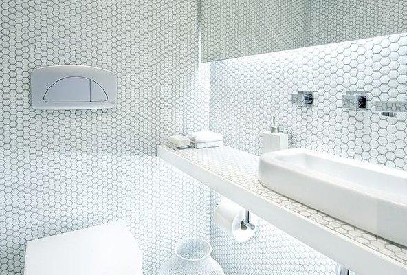 mozaika w łazience - Raw Decor
