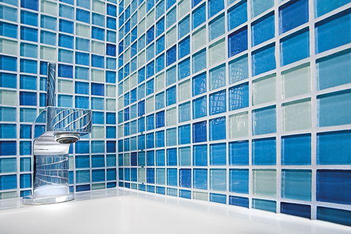Eksplozja barw w łazience - gradacje z mozaiki