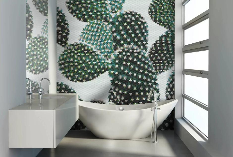Obraz z mozaiki na ścianie w łazience - motyw kaktusa