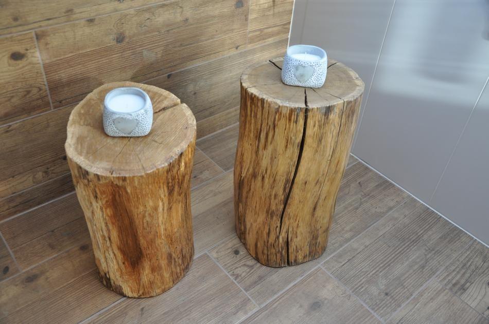 Drewno w łazience - pomysły na ciekawe meble jak pniak drzewa