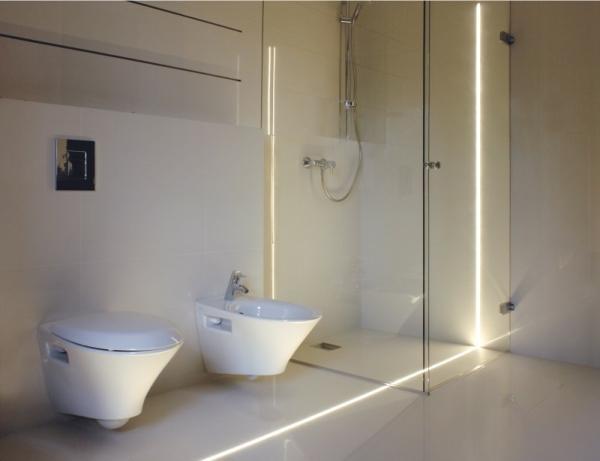 Oświetlenie dekoracyjne LED w łazience w fudze Soled