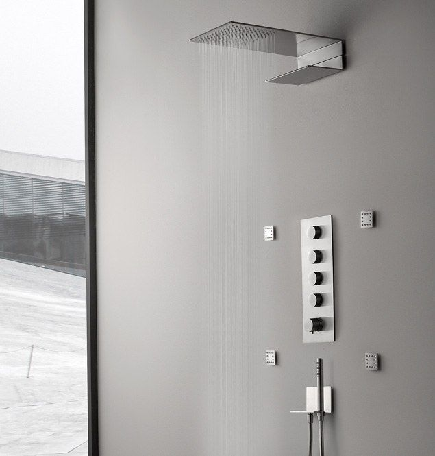 5 MM - kolekcja armatury łazienkowej zaprojektowana przez GIAMPIERO CASTAGNOLI dla firmy RUBINETTERIE TREEMME