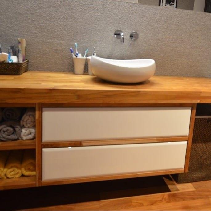 szafka łazienkowa z bielonym drewnem - Edar