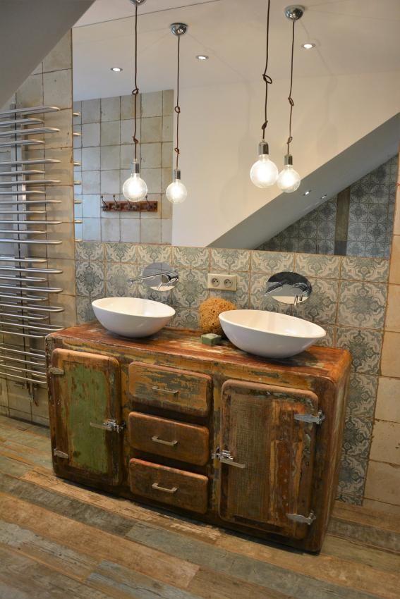 Eklektyczna łazienka - połączenie przeszłości z nowoczesnością