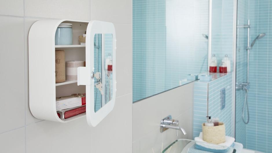Sprytne pomysły jak urządzić małą łazienkę