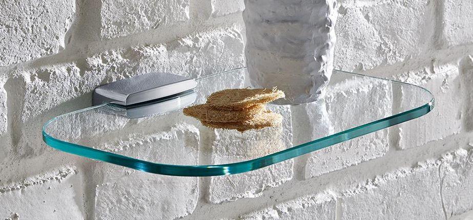 Szklane półki w łazience