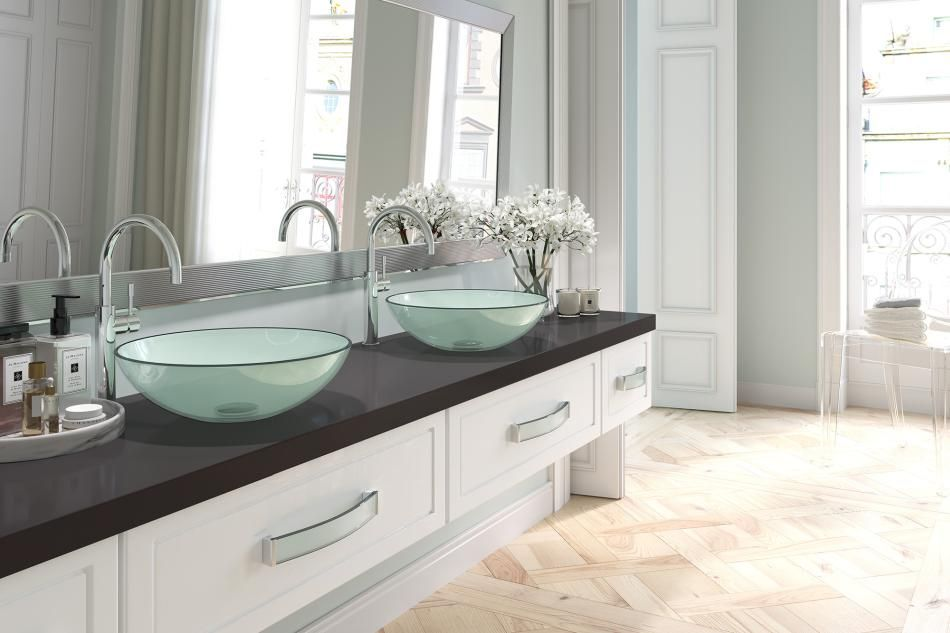 Szklane uchwyty do szafek łazienkowych