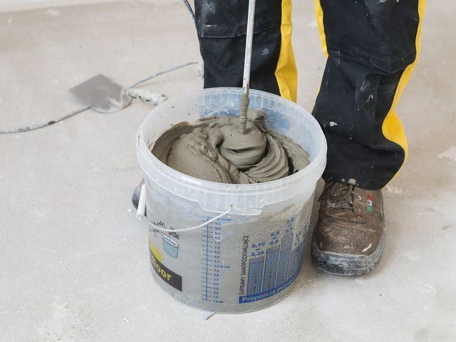 Hydroizolacja łazienki w 9 krokach - przygotowanie zaprawy
