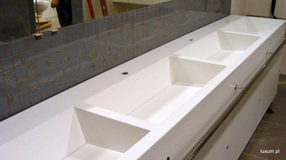 Umywalki wielostanowiskowe do łazienek publicznych