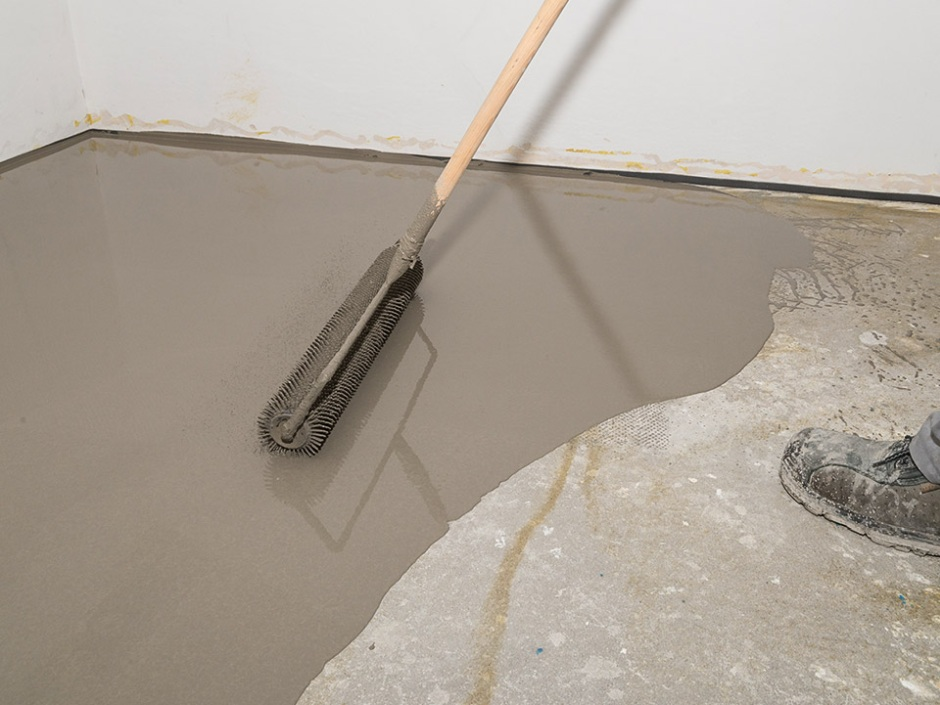 Remont łazienki - jak szybko wyrównać podłoże pod płytki
